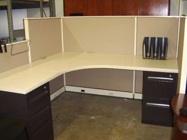 L Fish Furniture Indianapolis Indiana 6X6 Office Desk