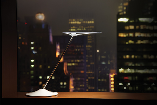 horizon_white_i3_600 humanscale task light