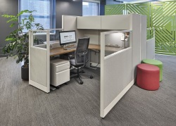 collaborative-cubicles-office-desks-indianapolis-NeoCon-Showroom_017